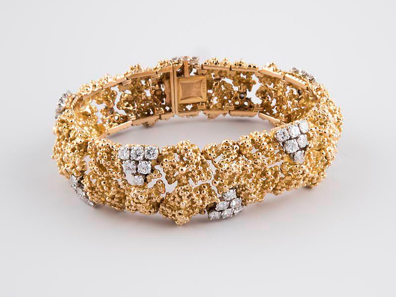 BOUCHERON - Armband aus Gelbgold mit 60 Brillanten, Paris Ausruf: 12.000 EUR