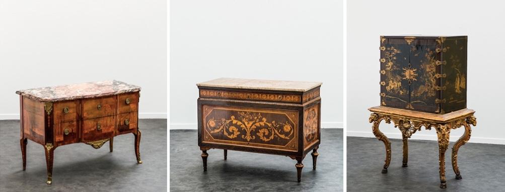 Links: Kommode mir Architektur-Intarsien, ANDRÉ LOUIS GILBERT zugeschrieben, um 1774 Mitte: Paar Kommoden aus Palisander und Rosenholz mit Intarsien, Lombardei letztes Viertel 18. Jh. Rechts: Lack-Kommode mit chinesischem Golddekor, Piemont 18. Jh.