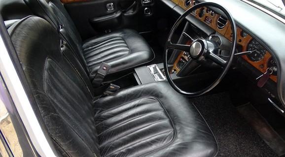 L'intérieur de la Rolls-Royce Silver Shadow Image: H&H Auctions