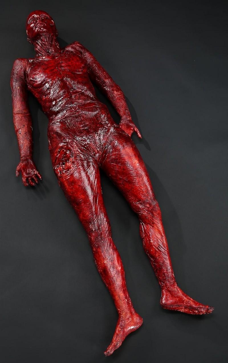 Karls Watkins flådda kropp. Bild: Prop Store