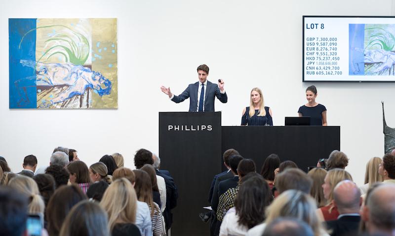 Världens yngsta auktionshus? Som synes på bilden är det få silverrävar i publiken. Åtminstone betydligt färre än hos de flesta andra auktionshus...