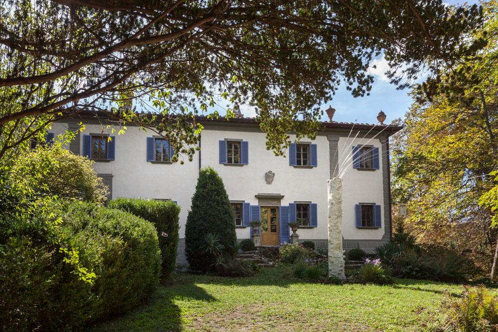 Villa Gaeta in Tuscany, home of designer Bruno Boretti. Photo © Francesca Anichini