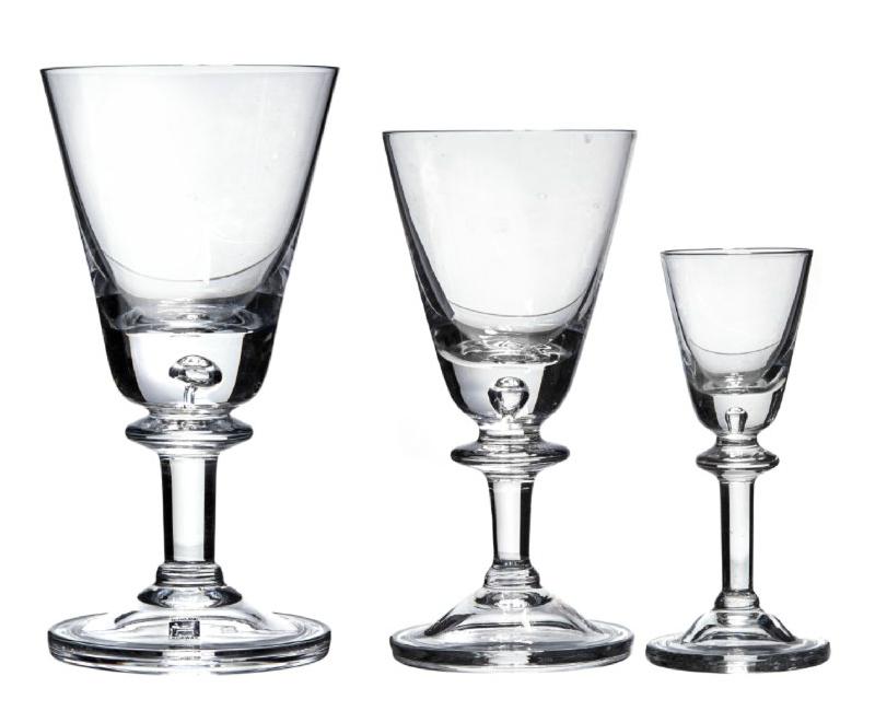"""Glas, Hadeland Glassverk, """"Tangen"""". Utropspris: 1000 kr. Blomqvist."""