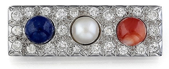 Une broche en or gris, diamants, perles de couleurs en lapis-lazuli, perle de culture et corail Boule