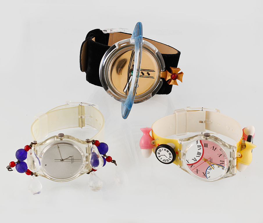 "Swatchklockor. 4 st ""limited editions"", totalt 5 klockor av bland annat Vivienne Westwood. Utrop: 4 000 SEK. Bukowskis market"