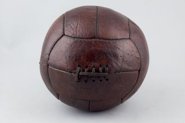 Ballon de football circa 1930 Durán Subastas