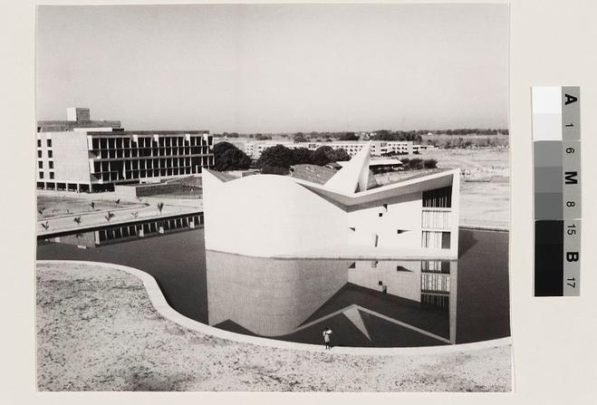 Pierre Jeanneret, Gandhi Bhawan, Punjab University Campus, Sector 14, Chandigarh, c. 1962. Fonds Pierre Jeanneret, Canadian Centre for Architecture, Montréal, gift of Jacqueline Jeanneret. © Canadian Centre for Architecture.
