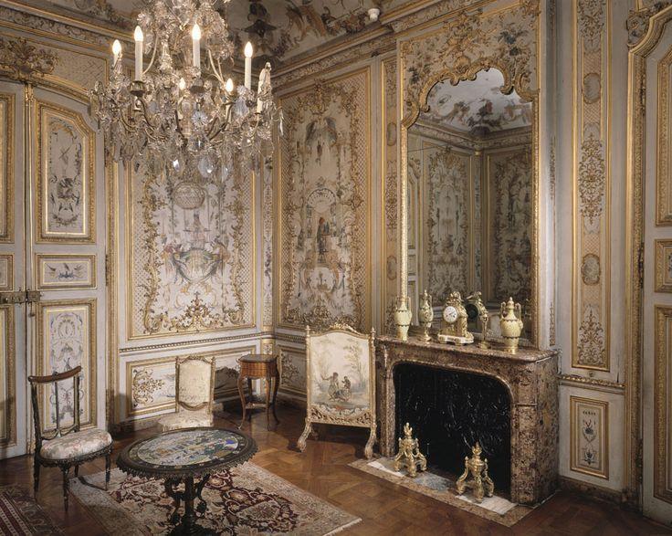 La Grande Singerie im Château de Chantilly mit Malereien von Christophe Huet von 1737