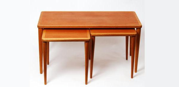Satsbord teak och ek 1950-tal. Fast pris: 3 100 SEK. Retroaktiv Design