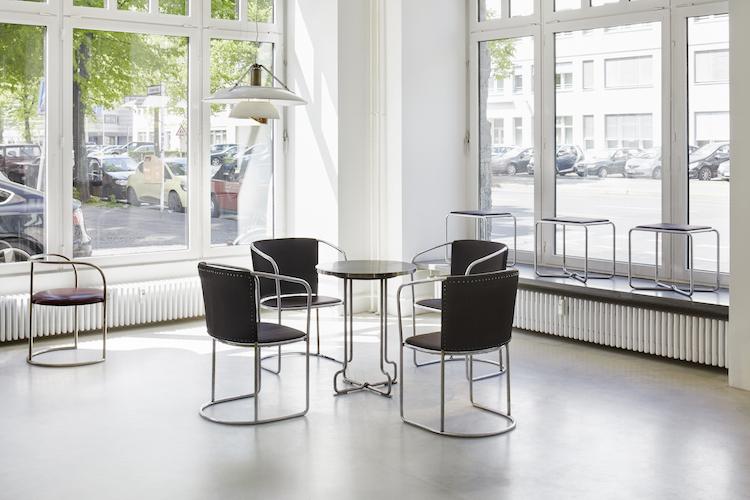 Tidiga möbler av Axel Einar Hjorth som tillverkades för