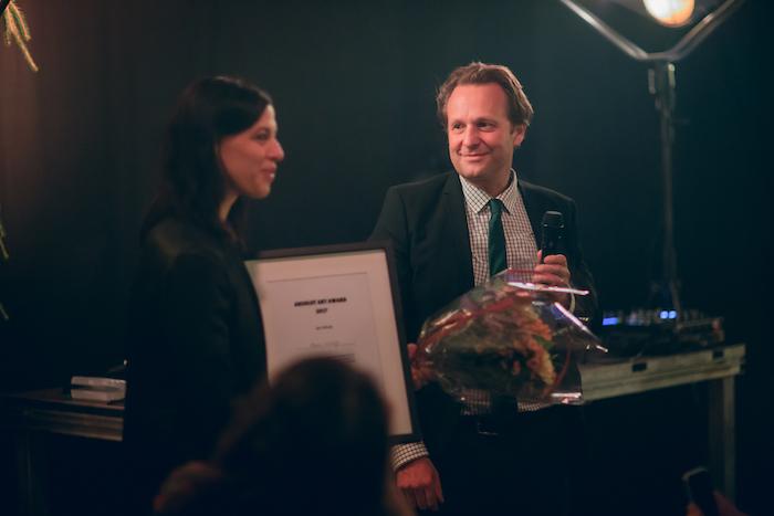 Daniel Birnbaum tillsammans med pristagaren den tyska konstnären Anne Imhof.