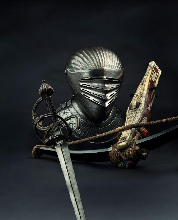 HH_70_Maximilian_Helmet_Saxon_Sword_Crossbow_A-202518-4430-1969