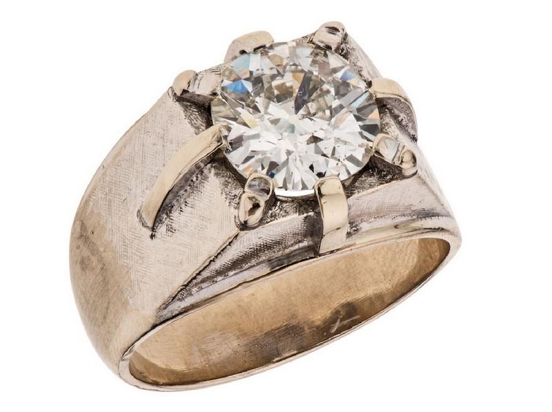 Anillo en oro blanco con un diamante corte brillante