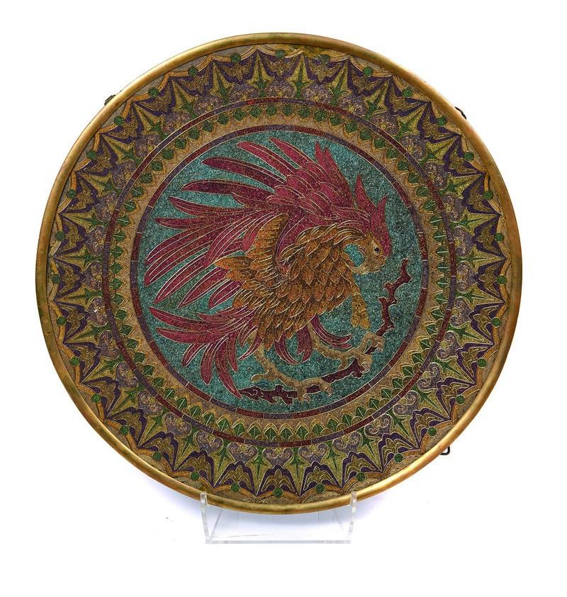 FRANCESC VIDAL JEVELLÍ. Gran plato con águila imperial en vidrio cloisonné