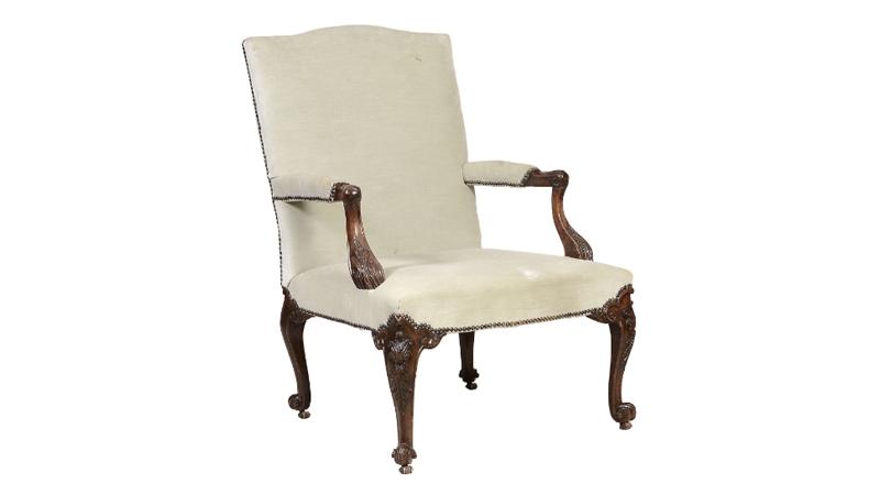 Fåtölj, ca 1750. Dreweatts & Bloomsbury auctions.