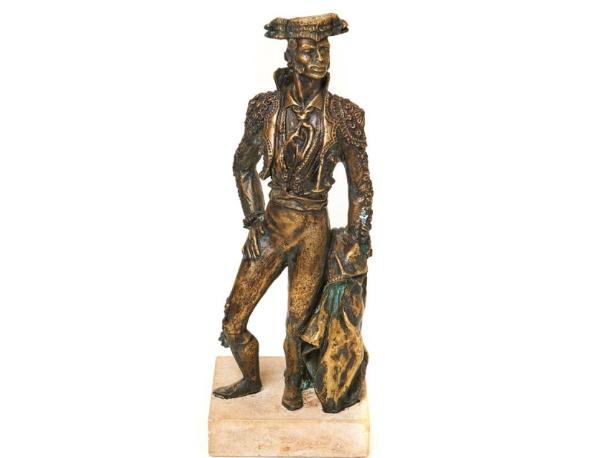 ESCUELA ESPAÑOLA. Torero. Escultura en bronce sobre peana en piedra (siglo XX)
