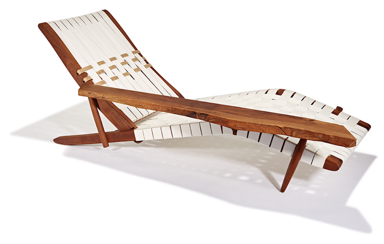 Samme formgivare, George Nakashima, har designat Long chaisesom ropas ut på LA Modern