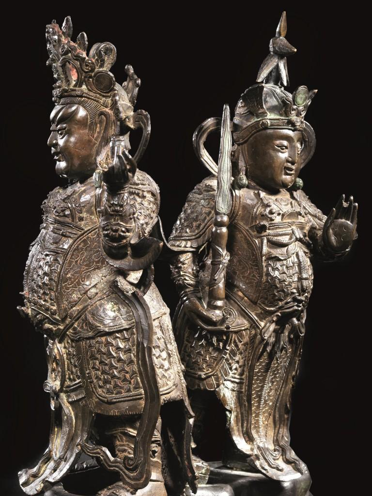 Paar Skulpturen aus Bronze, H: 42cm und 45,5 cm, China, Ming-Dynastie, 17. Jh. Schätzpreis: 10.000-15.000 EUR
