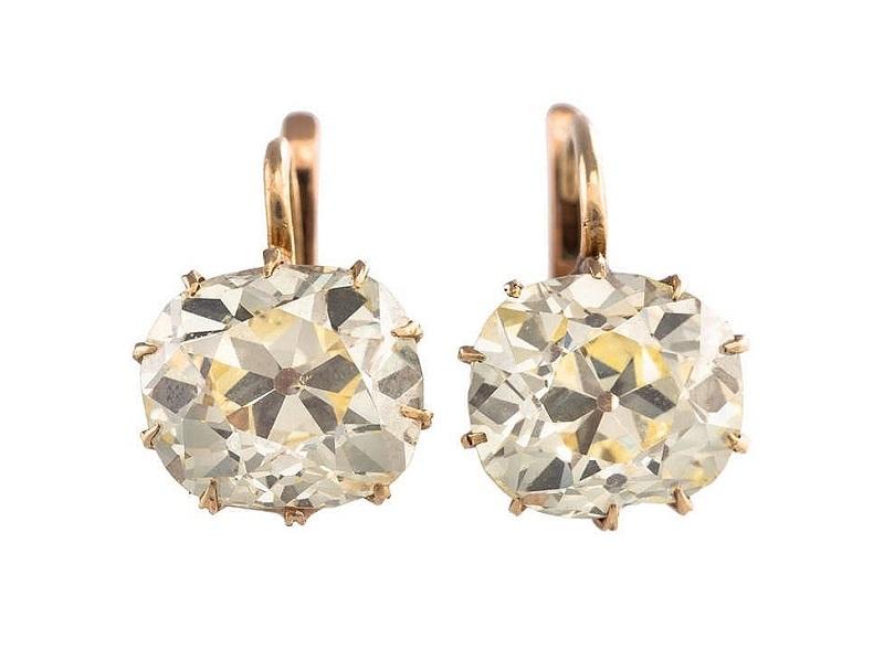 Pendientes en oro amarillo y diamantes