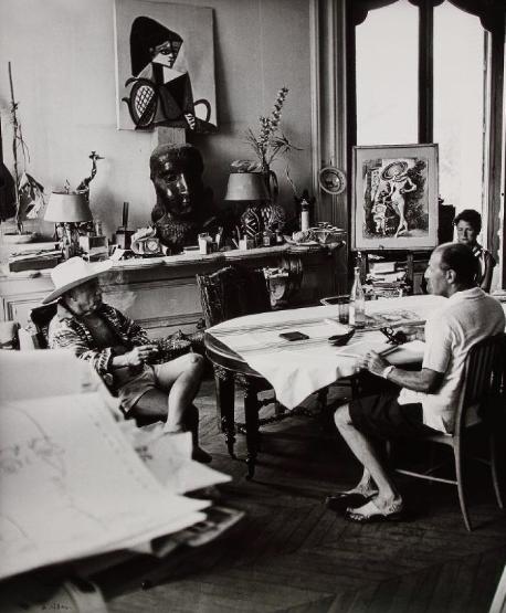 ANDRÉ VILLERS (1930)  Pablo Picasso et Pierre Matisse.  Cannes, 1958.  Ader Paris Estimation Basse: 2 000 €