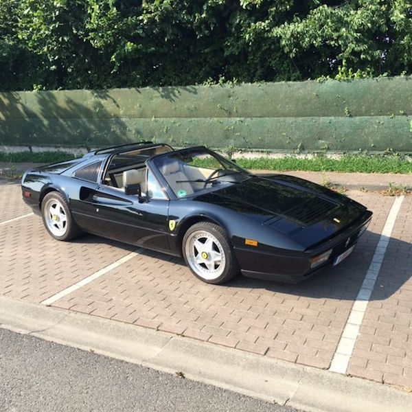 Ferrari - 328 GTS - 1988. Utropspris: 930 000 - 1,2 miljoner kronor.