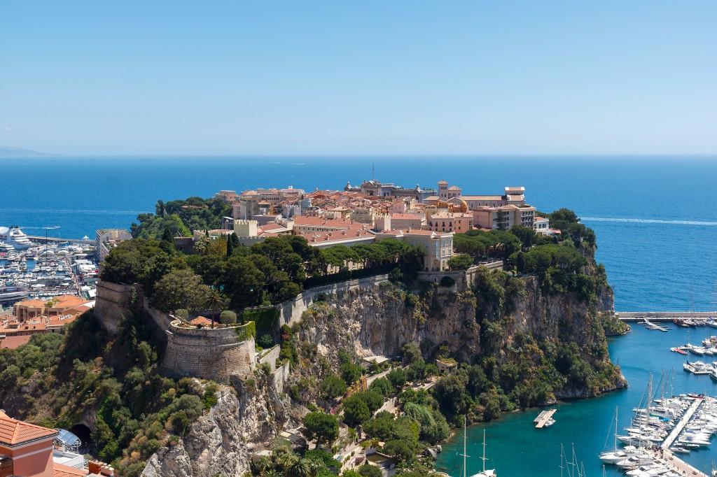 Le Rocher de Monaco abrite la vieille ville. DR