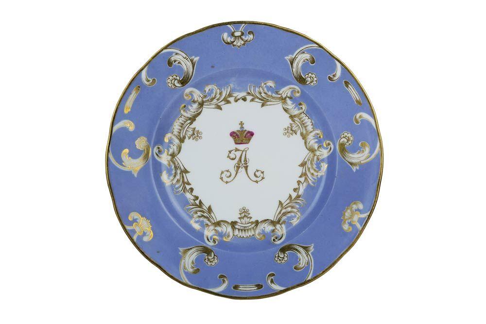 KAISERLICHE PORZELLANMANUFAKTUR - Teller mit kaiserlichem Emblem Zar Alexanders I., Sankt Petersburg 1800-25 Schätzpreis: 8.000-9.000 EUR