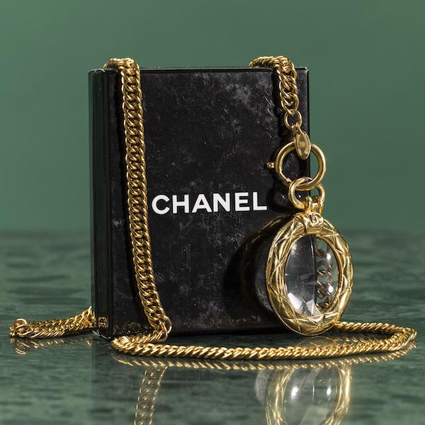Halsband, Chanel. Utropspris: 5000 kronor.