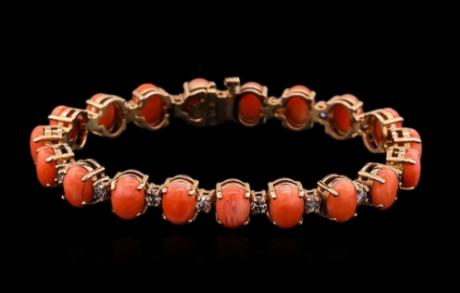 Bracelet corail et diamants en or rose