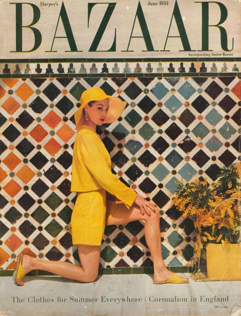 """Harper's Bazaar von 1953. Eine """"exotische"""" Szene in Farbe von Louise Dahl-Wolfe Abb. The Guardian"""