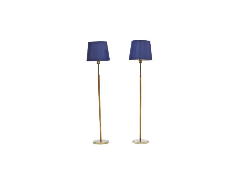 Golvlampor i mässing och läder av Hans Bergström. Fast pris: 12,500 Sek. Nordlings antik