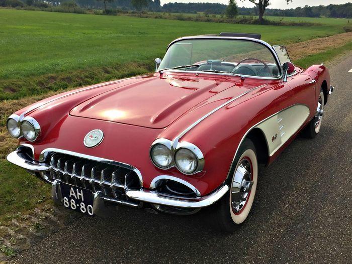雪佛蘭(CHEVROLET)1960年的Corvette C1 Roadster