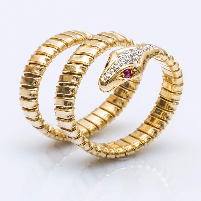 Bague serpent en or jaune 18 carats Pestel-Debord