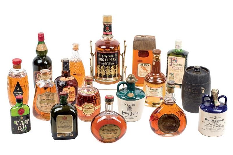Lote 666: Lote de más de 200 botellas de Whisky. Precio de salida: 400 €