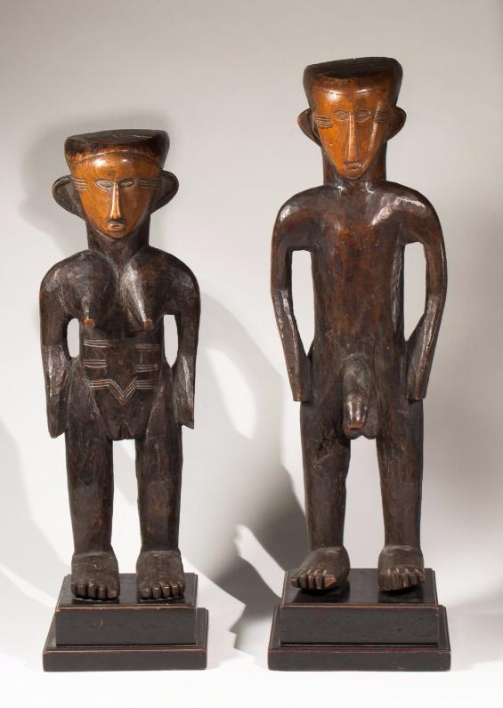 Rare paire de statues masculine et féminine présentant un couple d'ancêtres primordiaux Zela, République Démocratique du Congo