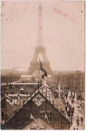 Paris: carte photo de stand de la foire de Paris (Tour Eiffel) Clément Maréchal
