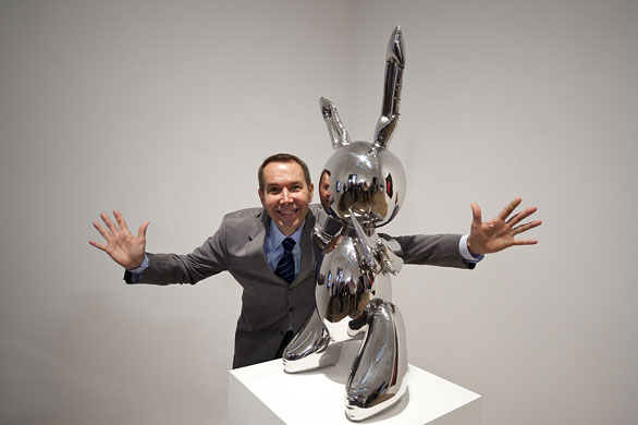 Jeff Koons with Rabbit at the Tate Modern in 1986. Image: Art Now and Then