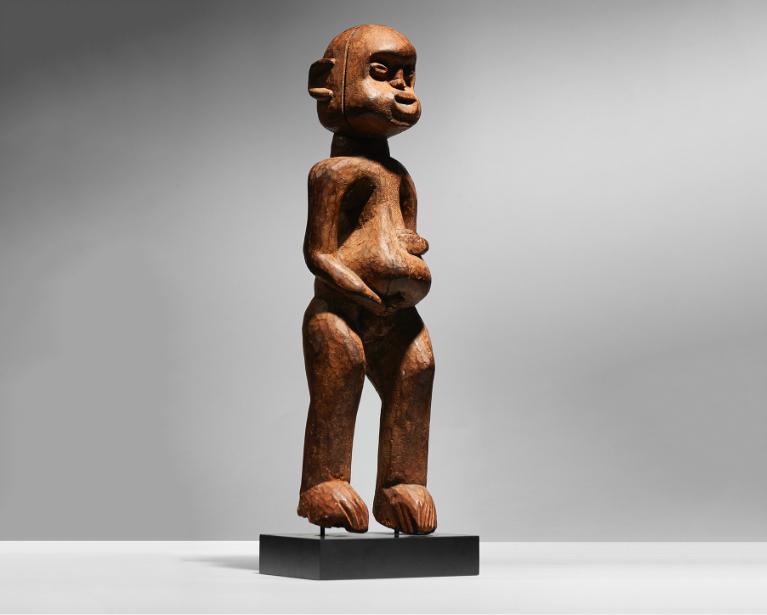 Statue Bangwa, wood Cameroon. Image: Native