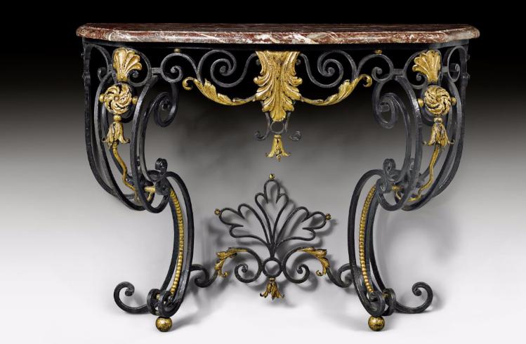 """Ett par konsolbord """"Aux cartouches"""". Comtat Venaissin ca 1765/70. På auktion hos Koller."""