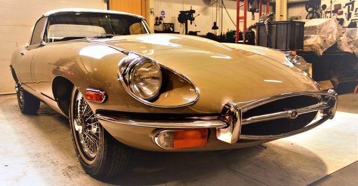 JAGUAR. E-type Cabrio (1970). Precio estimado: 96.000-124.800 €