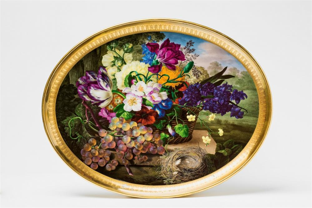 Tray decorated with flowers, grapes and bird's nest, Imperial Manufacture of Vienna, 1816, image © Lempertz