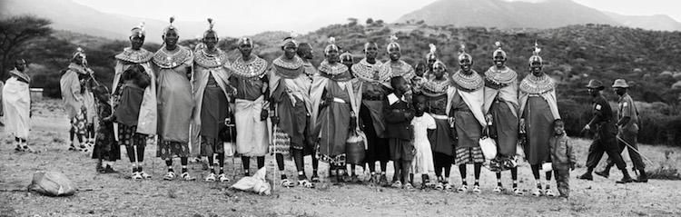 Några ur Samburus befolkning som ställde upp sig framför Tones kamera