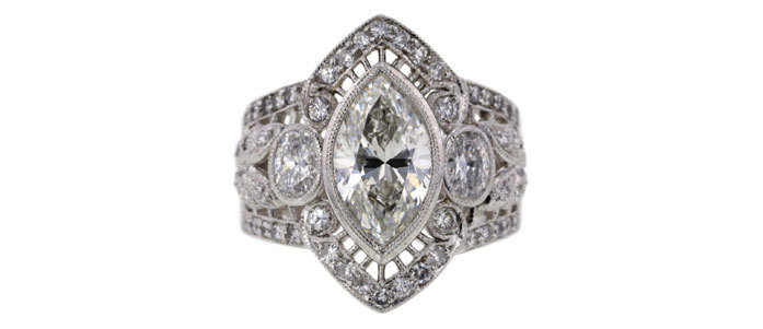 Marquise cut solitaire 戒 以$5,341售出
