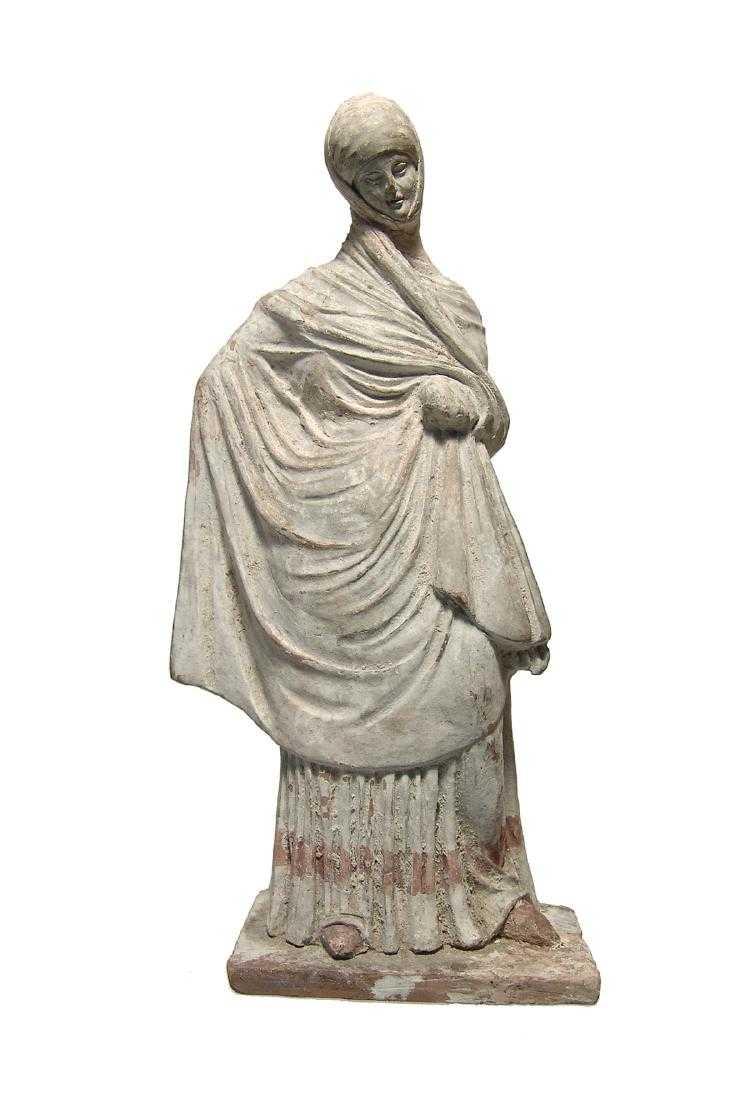 Tanagra, statuette en terre cuite