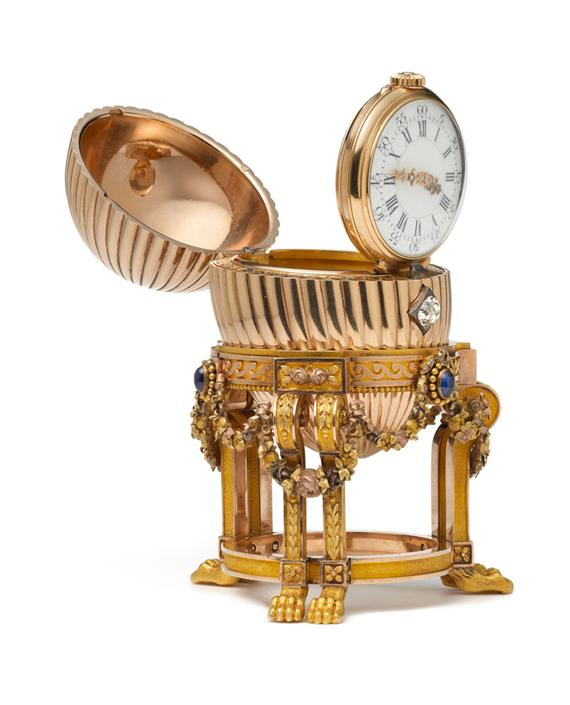 Fabergéägg-med-klockan-uppfälld_Vacheron-Constantin-klocka_August-Holmström