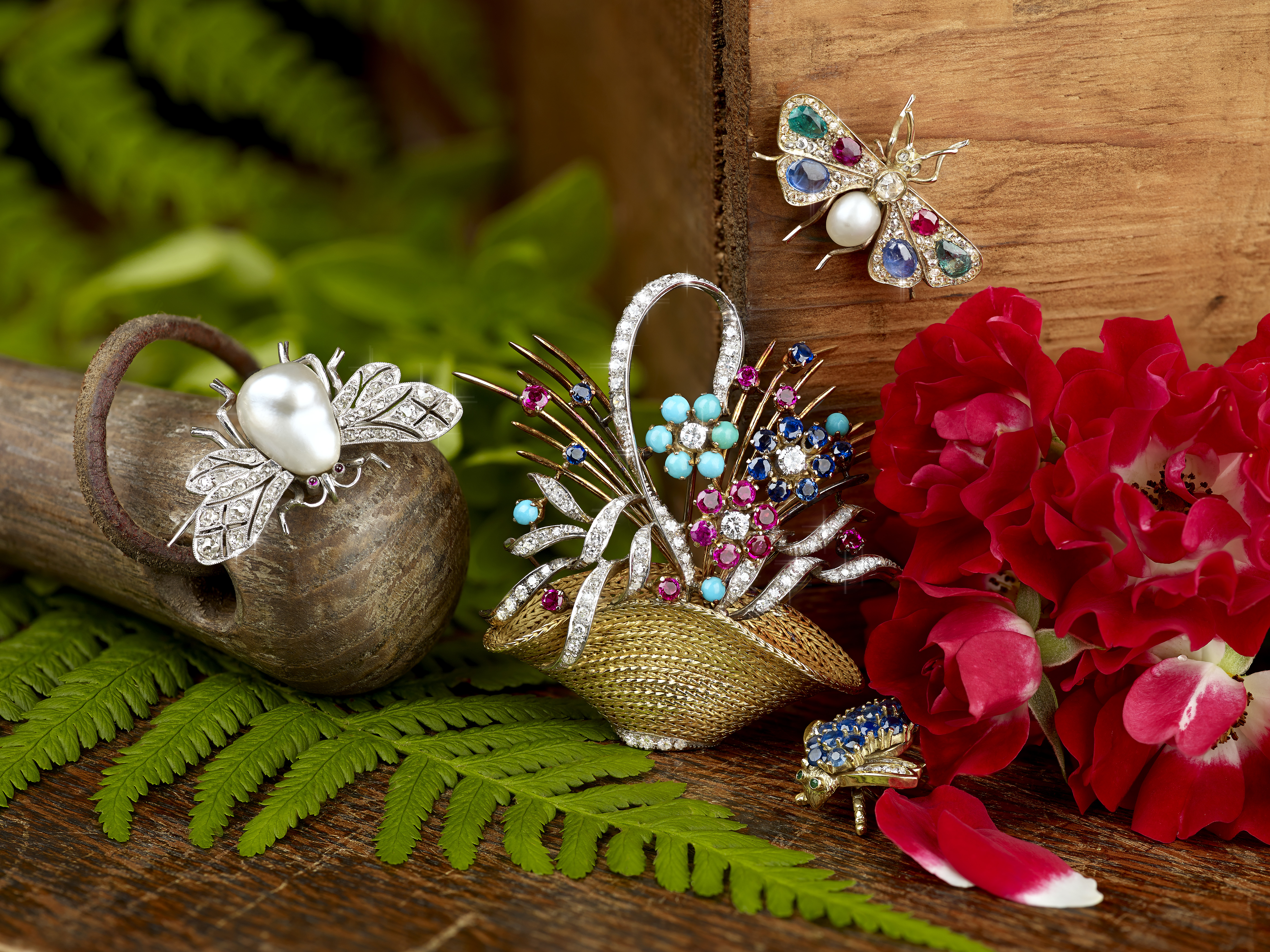 Selection of brooches in Fellows' August sale