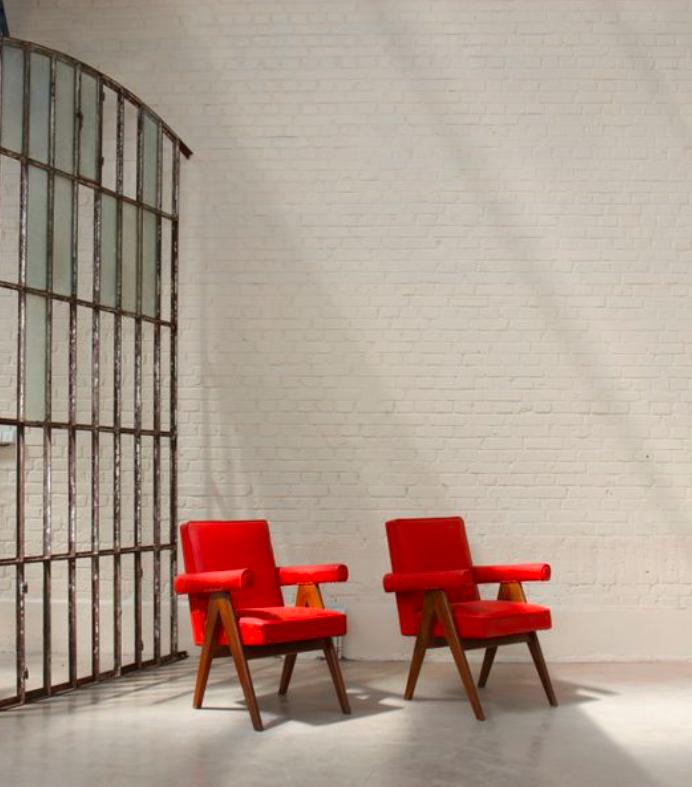 Ensemble de deux « Senate Committe Chairs » de Pierre Jeanneret, image ©Lux-Auction