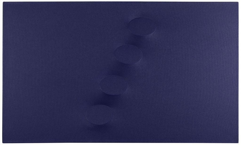 Turi Simeti, acrylique sur toile moulée