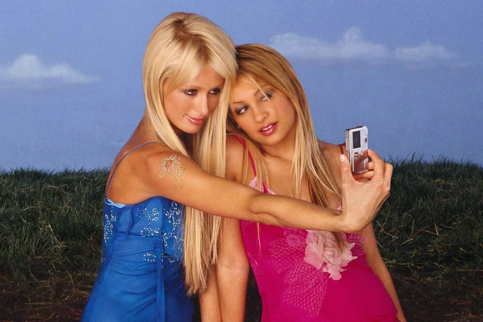 nicole-richie-paris-hilton-selfie
