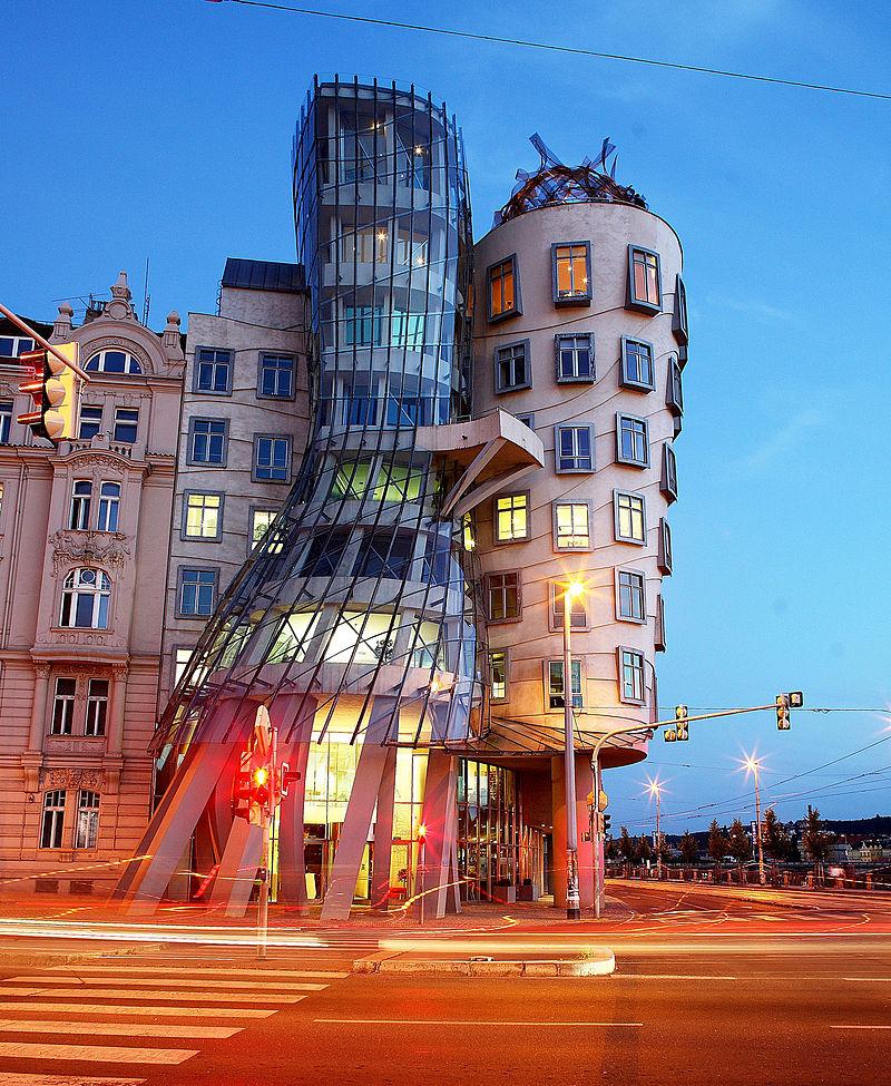 Det dansande huset i Prag, skapad av Gehry